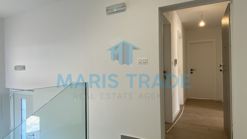 Apartment in a new building with sea view, 76m2