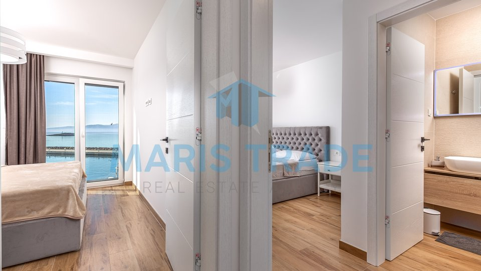 Penthouse prvi red do mora, 140m2